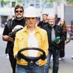 Abwrackprämiere_Julia Goldberg, mitglieder von Wheels for Europe_c_Andreas Etter