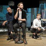ForsterHuberHeyne_Willem de Wolf, Vincent Doddema, Suzanne Grotenhuis, im Hintergrund Hannah Frauenrath_c_Andreas Etter