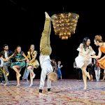 Hochzeit11_vorne Finn Lakeberg, tanzmainz Ensemble_c_Andreas Etter