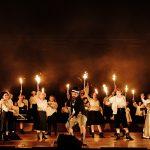 Le nozze di Figaro_Chor des Staatstheater Mainz, Ö. Günay, B. Carter, S. Bootz, G. Pelker_c_Andreas Etter